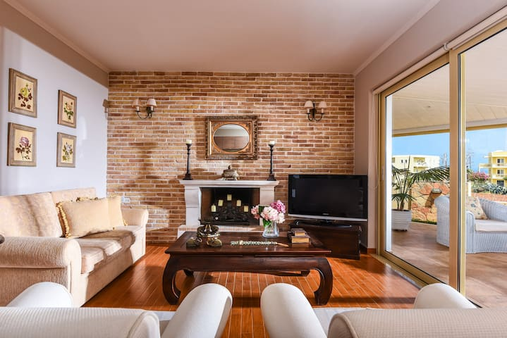 Ammos Apartments (superior suite) - Malia