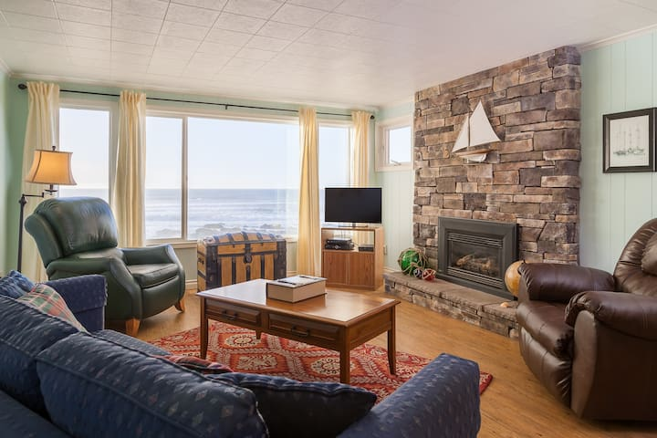 Captain's Quarters - 3 bdrm, oceanfront, balcony - Lincoln City - Lägenhet