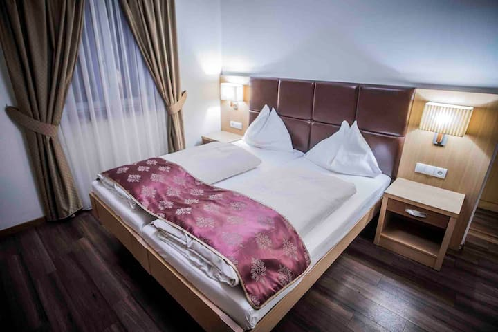 Double bed room with Flair