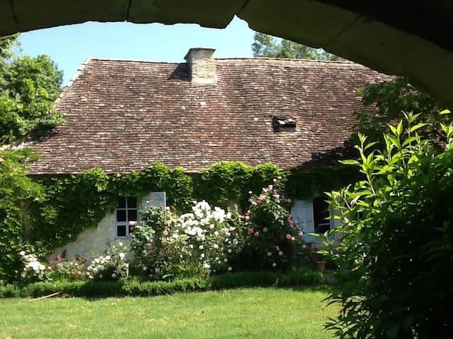 Maison du Périgord des bastides - Sainte-Sabine-Born - House