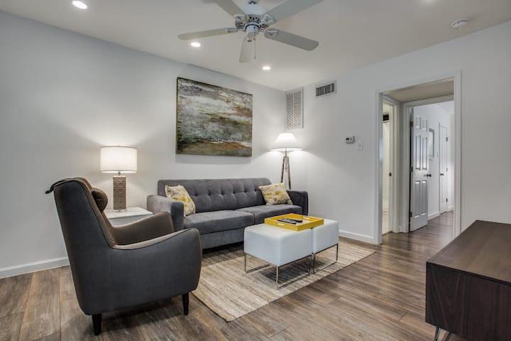 Cheery 1BD Apartment  Old East Dallas