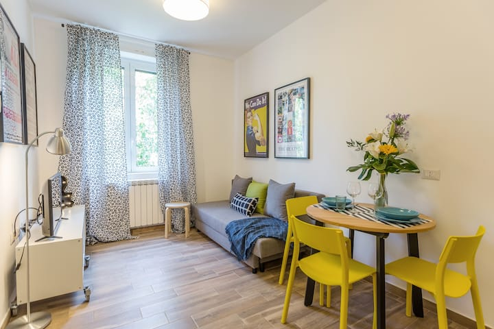Viale Certosa Modern Apartment with A/C and Wifi
