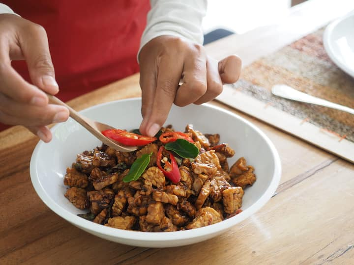 spicy and sour tempe