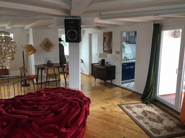 Retro Künstler Dachgeschoss Wohnung