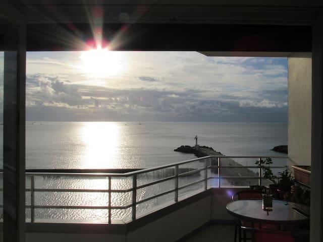 Chambre chez l'habitant vue mer et balcon