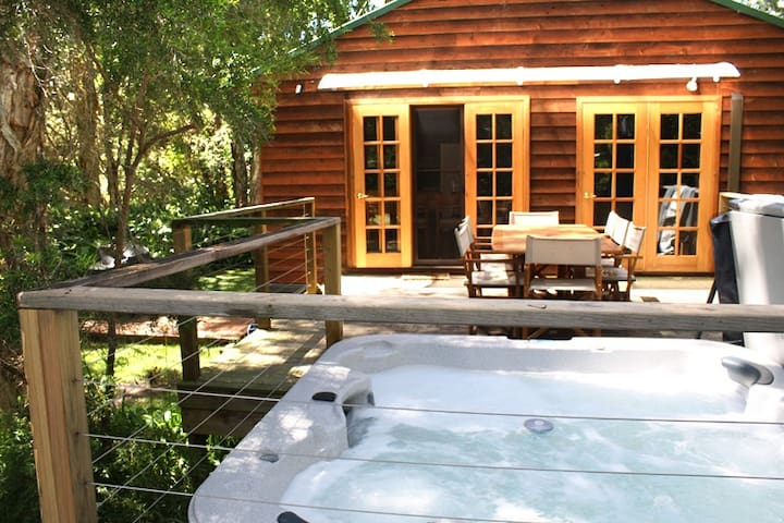 Spa House in the Bush by the Beach! - Boat Harbour - Ev