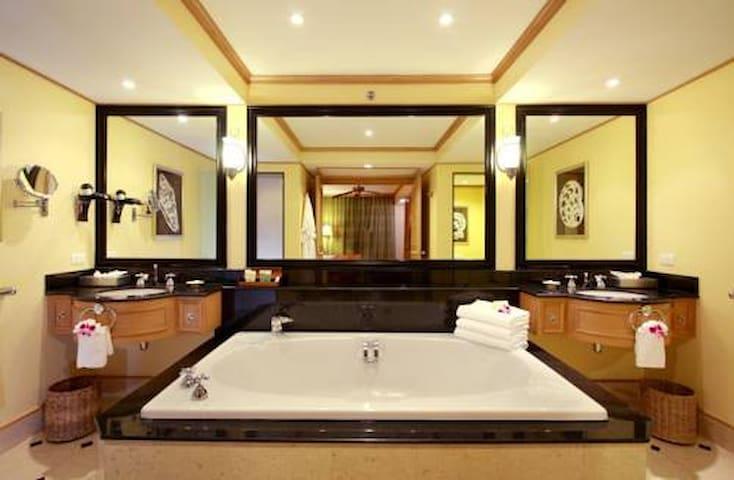 Marriotts Phuket Beach Club 2br - Tambon Mai Khao - Apartment
