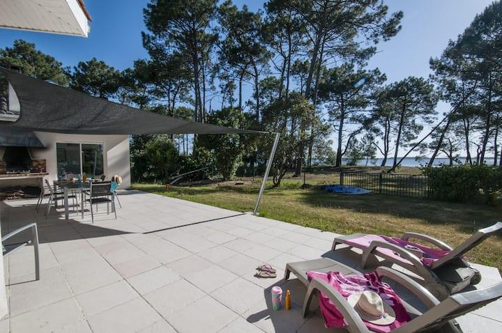 Maison spatieuse en première ligne du lac calme avec Wifi - 75401