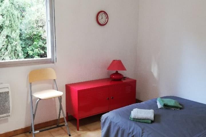 Studio, 5 min du centre-ville, résidence/parking
