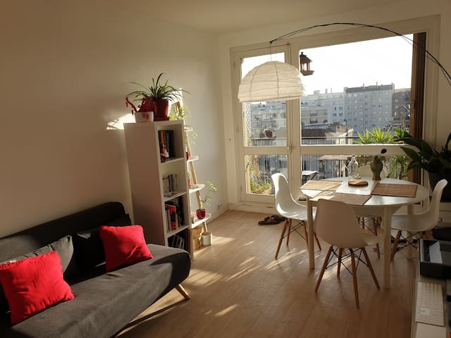 bright and calm apartment, close to subway and rer
