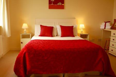 Double room ensuite - Bed & Breakfast