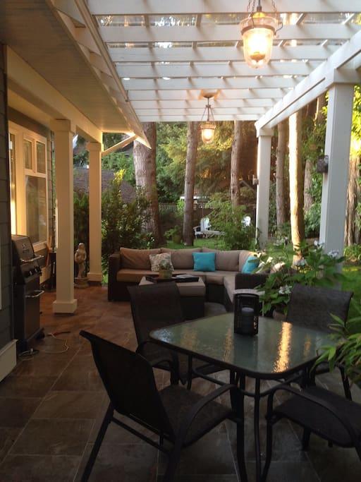 Private back garden/outdoor room