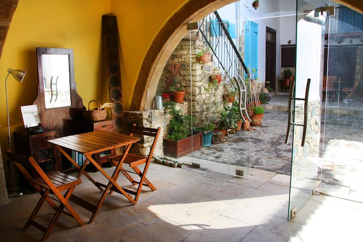 Triple room in a stone house in a quiet village