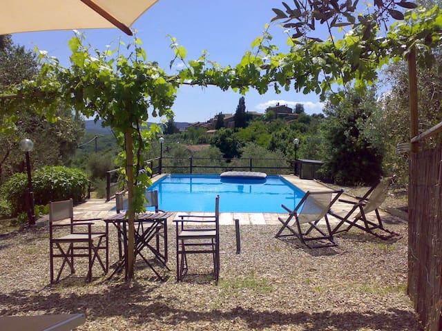 San Donato, 3 Bedroom Villa - Murlo - Villa