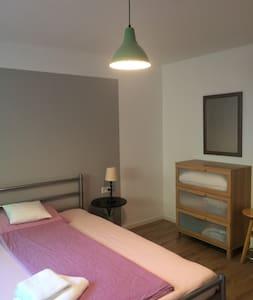 Schönes Neubau- Zimmer EG zu vermieten - Leutenbach - Huis