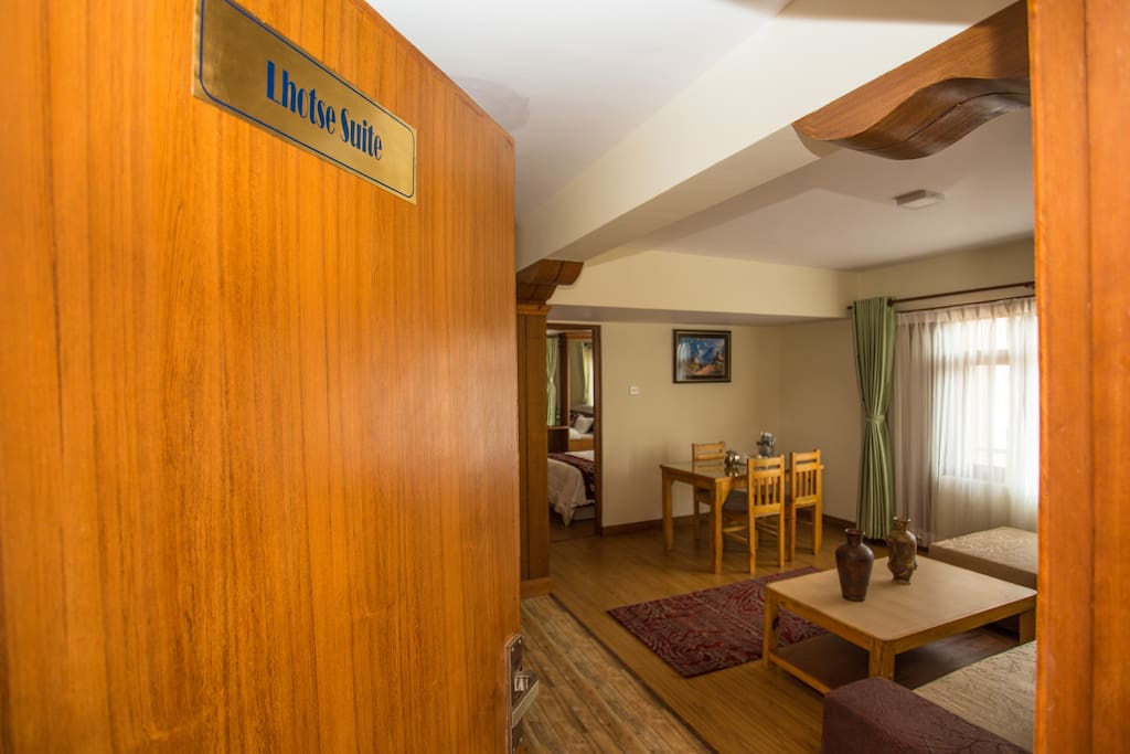 Welcome to Lhotse Suite