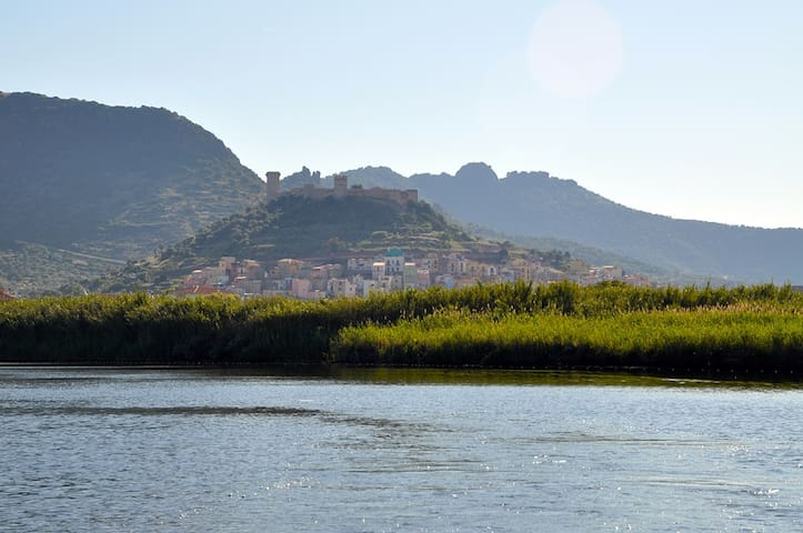 Charming townhouse in Sardinia - Bosa - House
