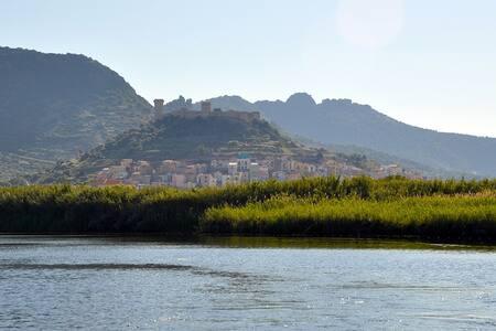 Charming townhouse in Sardinia - Rumah