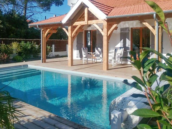 Villa de 3 chambres à Soulac-sur-Mer, avec piscine privée et jardin clos - à 600 m de la plage