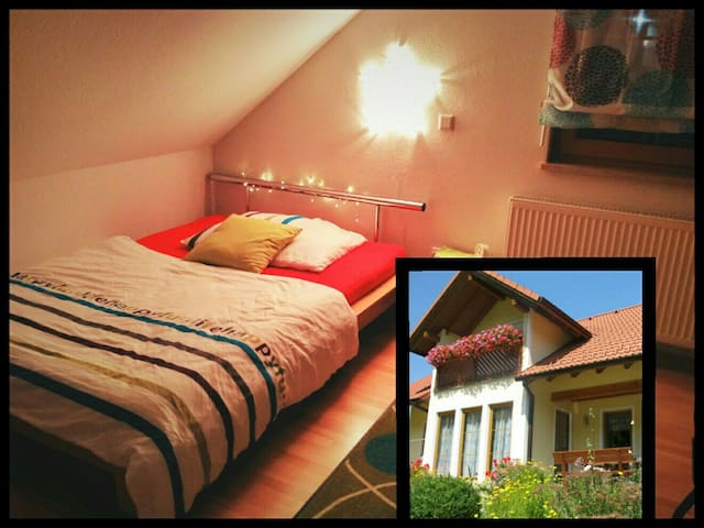 Charming house, upstairs bedroom - Oswaldgraben