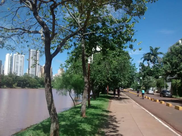3 charmosos quartos de hospedes - Londrina - 獨棟