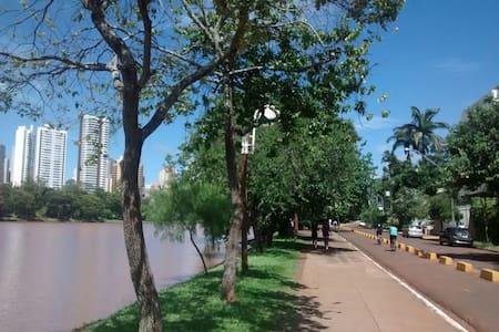 3 charmosos quartos de hospedes - Londrina - Casa