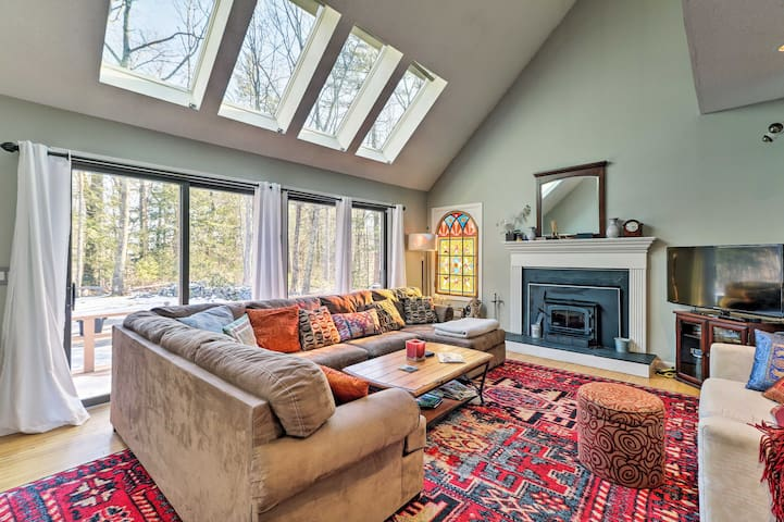 Peaceful Goshen Cottage w/ Screened Porch & Views!