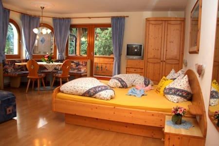 Wohnung Nr.2 Mit Erker - St.Lorenzen - Apartamento