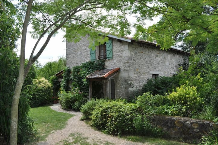 Lovely Country Cottage, Veranda, Pool, 2-6 Guests - Montpezat de Quercy