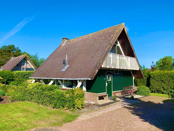 Nice bungalow 6 p. near Amsterdam and the beach(1)