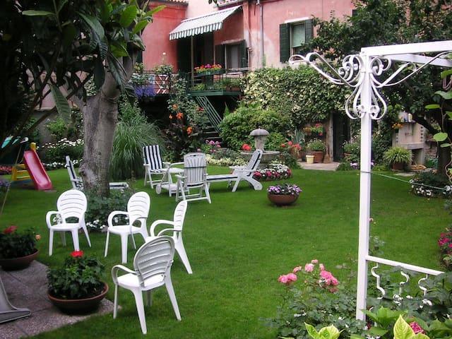 "Casa Eden - Suite ""Il Tulipano"" - Venedig - Wohnung"