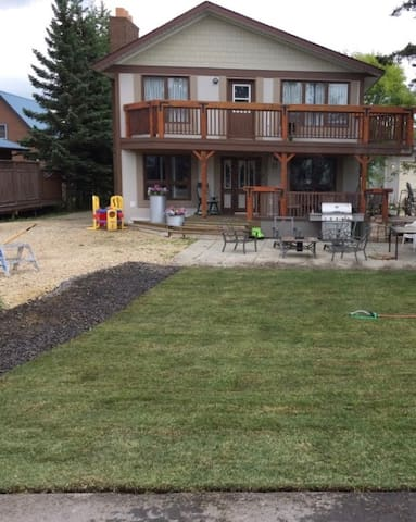 Rustic Charm Across from Sylvan Lake!