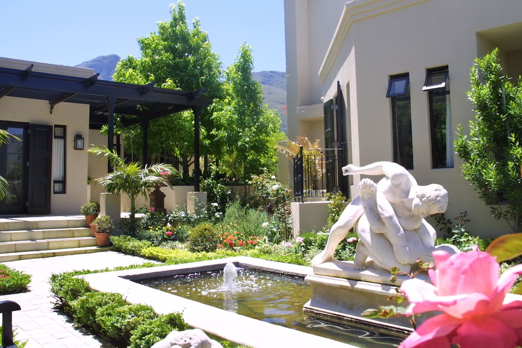 Guest garden and arrival entrance