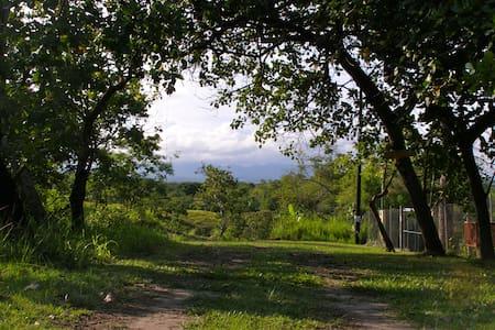 Casa Pintada - Weekend Getaway - Distrito de San Carlos - Cabaña