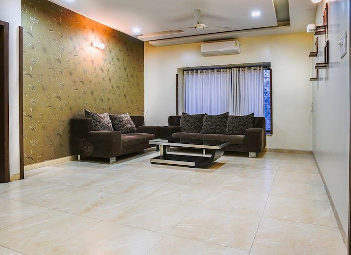 Karan's Studio Apartment for 3-4 guests