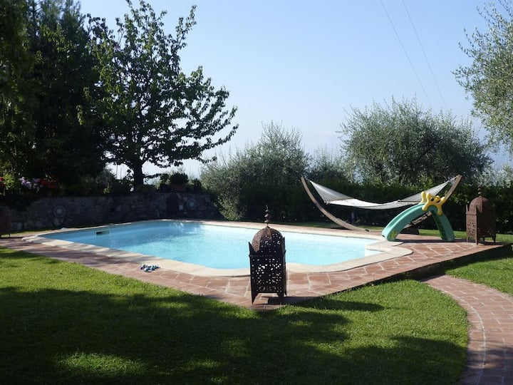 Private pool 12 px. Special price !