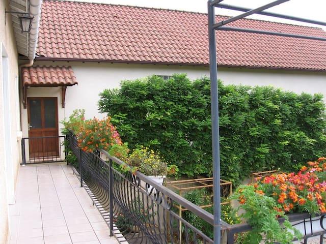 Maison à 5 km de Cahors - Pradines - Huis