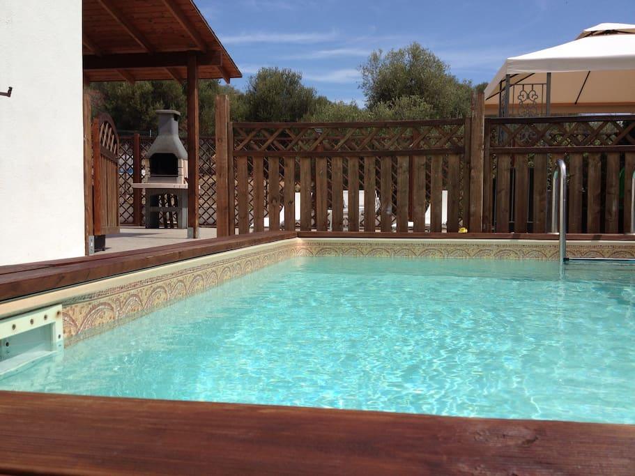 villa mit pool haush lterin h user zur miete in porto columbu perd 39 e sali sardegna italien. Black Bedroom Furniture Sets. Home Design Ideas