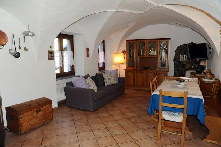 Caratteristico appartamento a Ledro - Molina