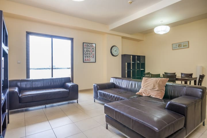 Small room, MONTHLY By the Beach! - Dubai