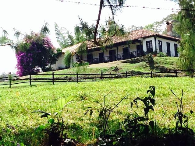 Hacienda Piracía  - Puente Nacional - Bed & Breakfast