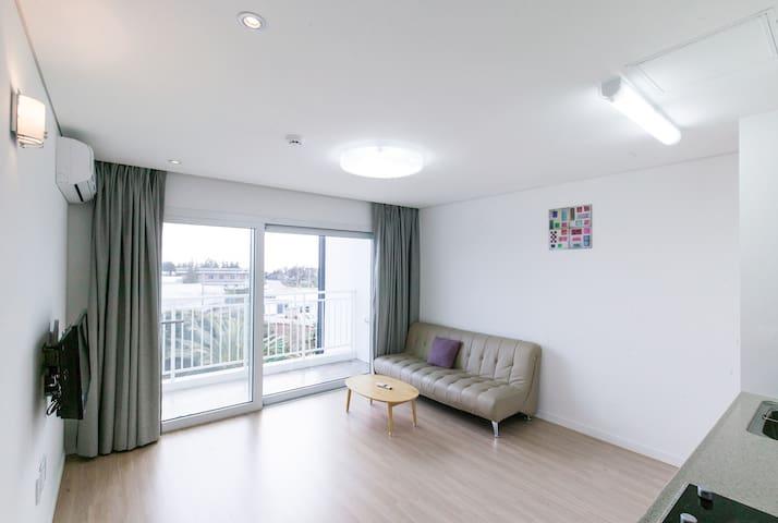 Shinny and tidy living room