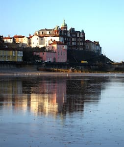 Old Lookout Promenade Beachfront apartment - Cromer - Apartment
