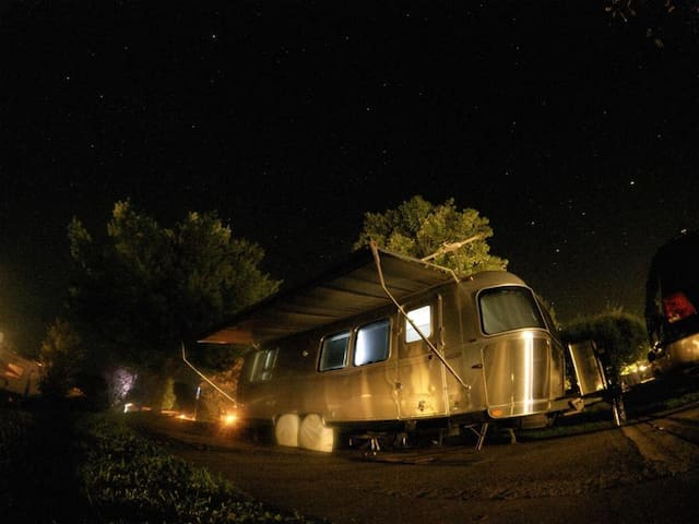 The Waldorf - Shawnee - Camper/RV