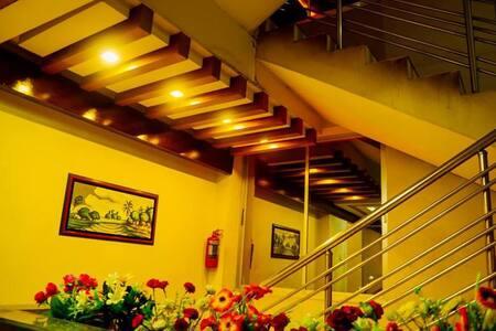 ROYAL LIVING HOTEL @ EXECUTIVE COUPLE ROOM