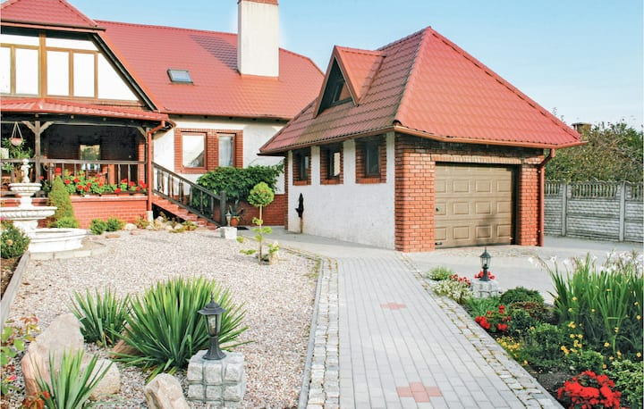 Amazing home in Boreczno with 5 Bedrooms