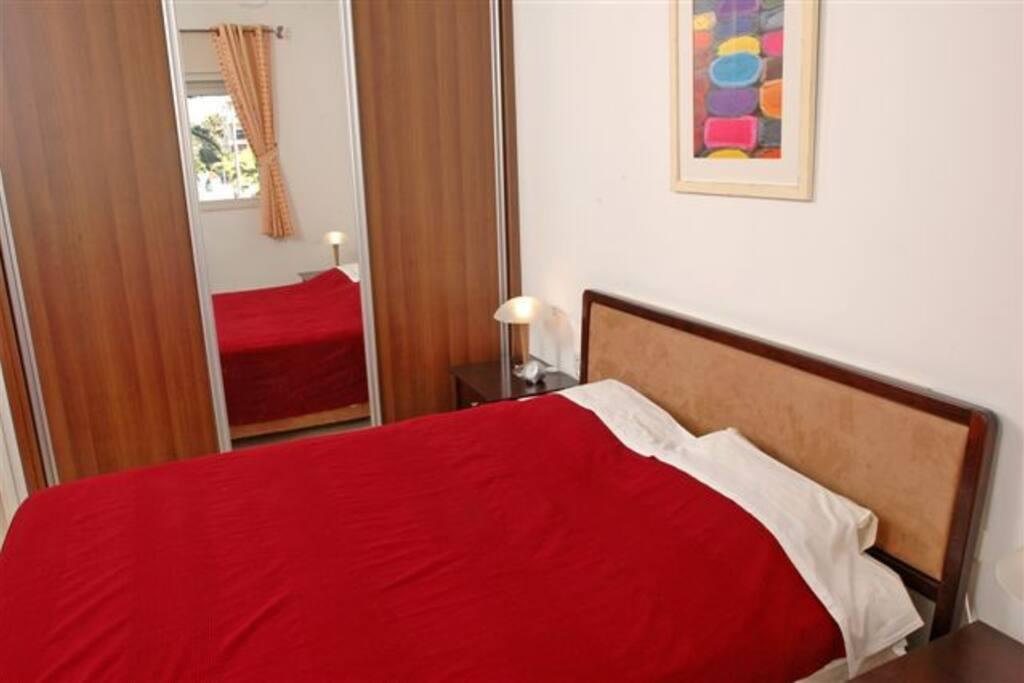 Master bedroom-queen size bed