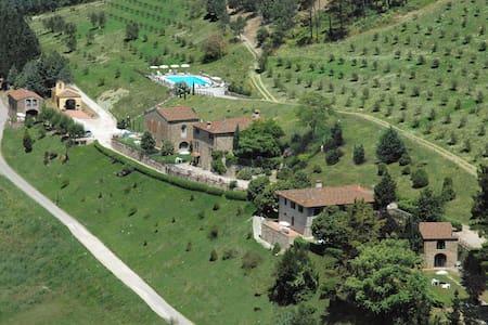 Fattoria Il Monte - Monte 2, sleeps 6 guests - Dicomano