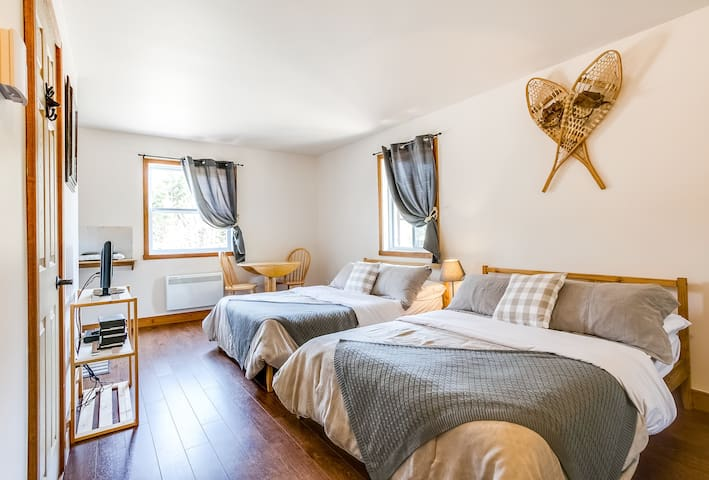 ALL NEW RE-DESIGN LOW PRICE STUDIO TREMBLANT AREA