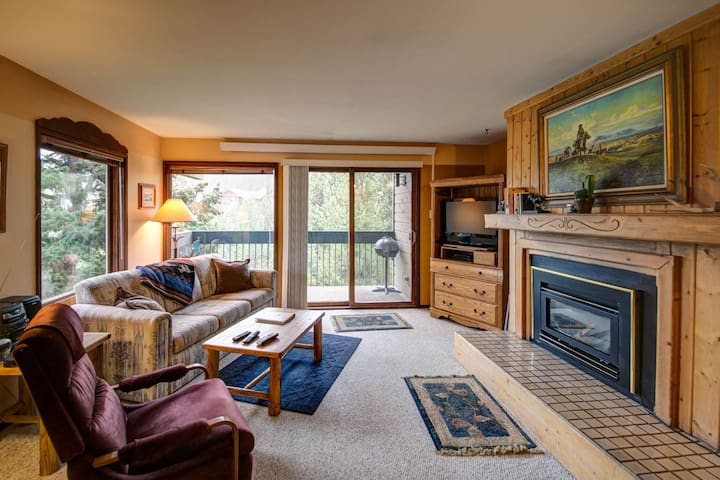 Stillwater Studio Retreat with Amazing Location to Big Sky Resort!